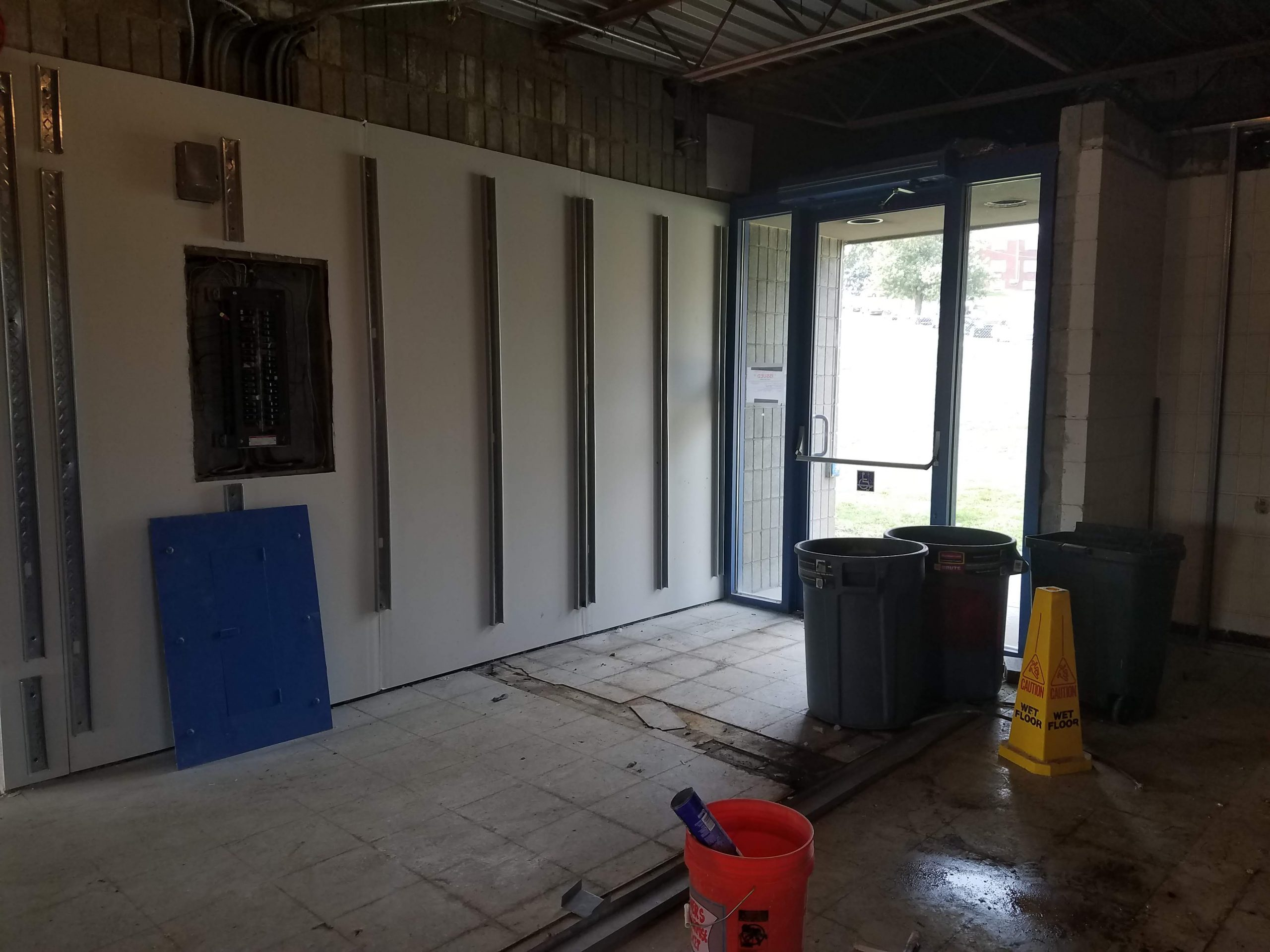Old foyer – This space will be used to increase bathroom space and create a refreshment area.